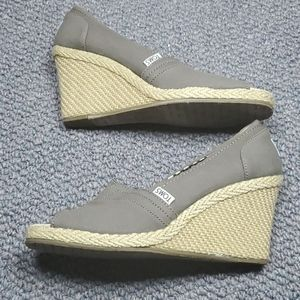 Toms Open Toe Canvas wedge